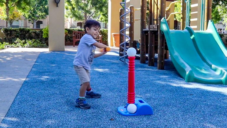 Video Review: Totsports™ T-Ball Set Playtime & Review – Little Tikes Toy
