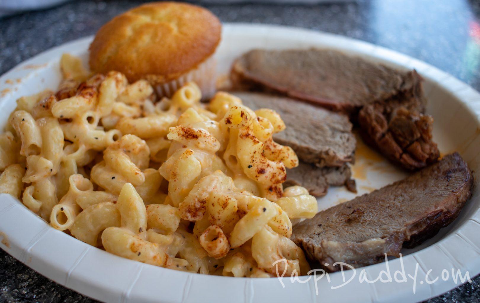Boardwalk BBQ Knott's Berry Farm, brisket with mac & cheese.